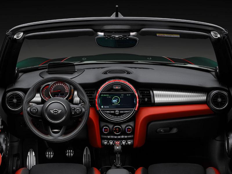Mini John Cooper Works cabrio interior volante Luxabun