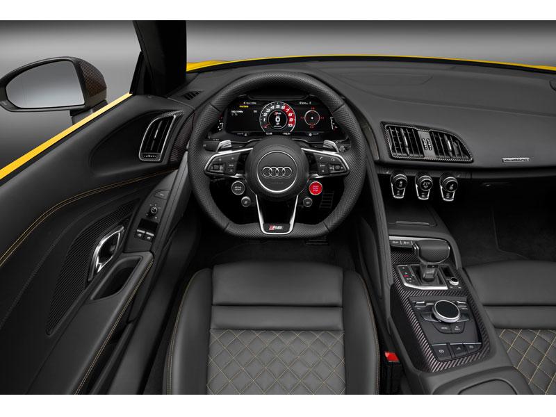 Audi R8 Spyder V10 interior volante Luxabun