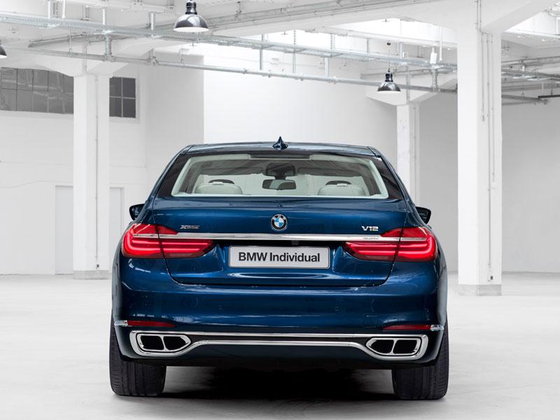 BMW Serie 7 Individual The Next 100 Years trasera Luxabun