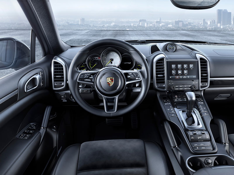 Porsche Cayenne S E-Hybrid Platinum Edition interior Luxabun