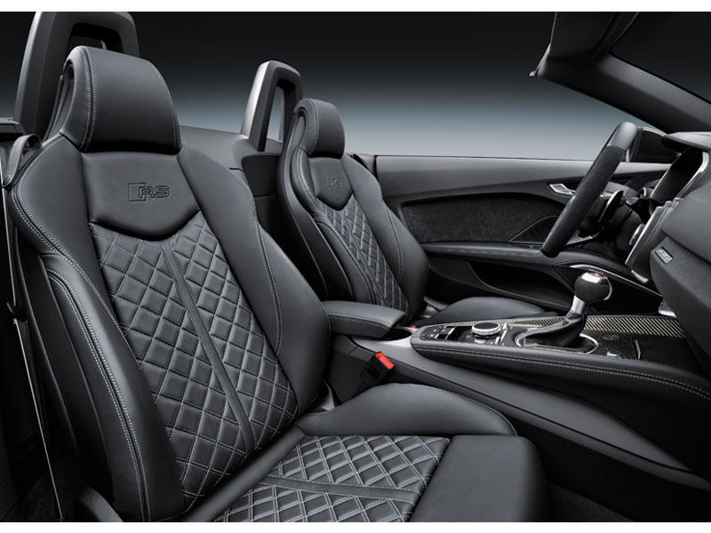 Audi RS TT Roadster interior asientos Luxabun
