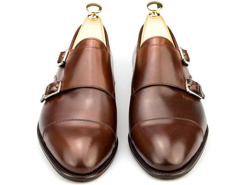 Carmina zapato de doble hebilla marrón frontal Luxabun