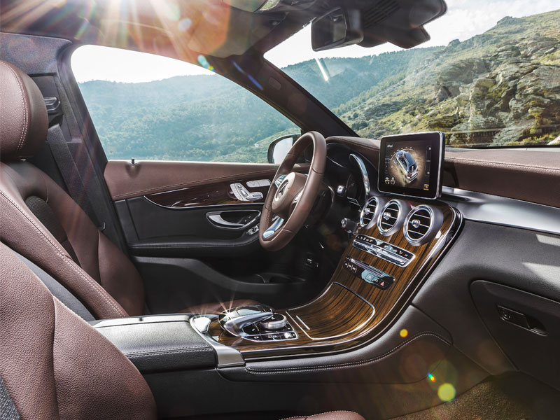Mercedes GLC250D 4Matic  interior Luxabun