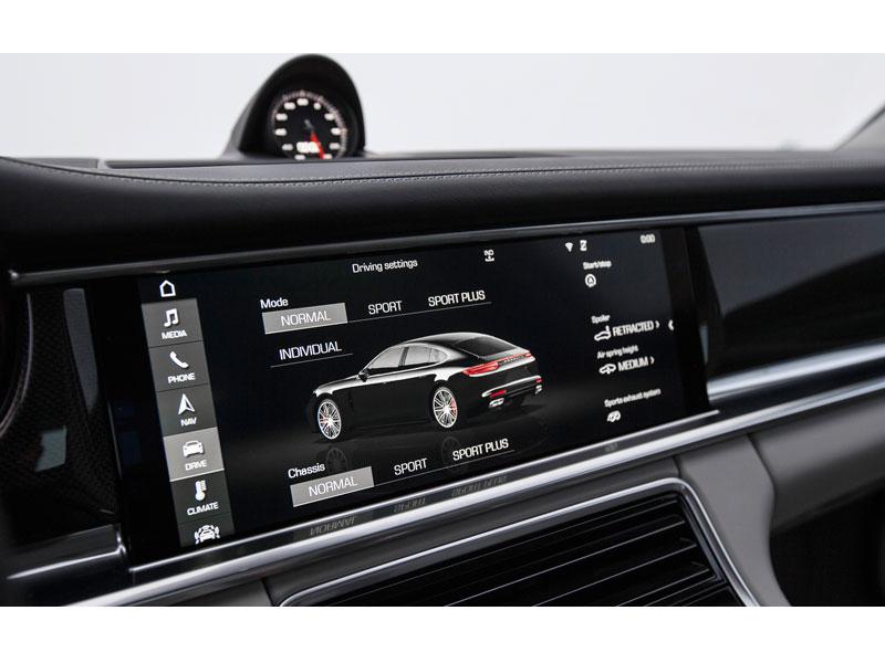Porsche Panamera Turbo consola central Luxabun