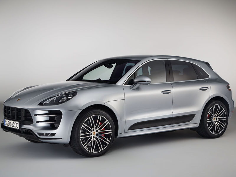 Porsche Macan Turbo performance package lateral frontal Luxabun